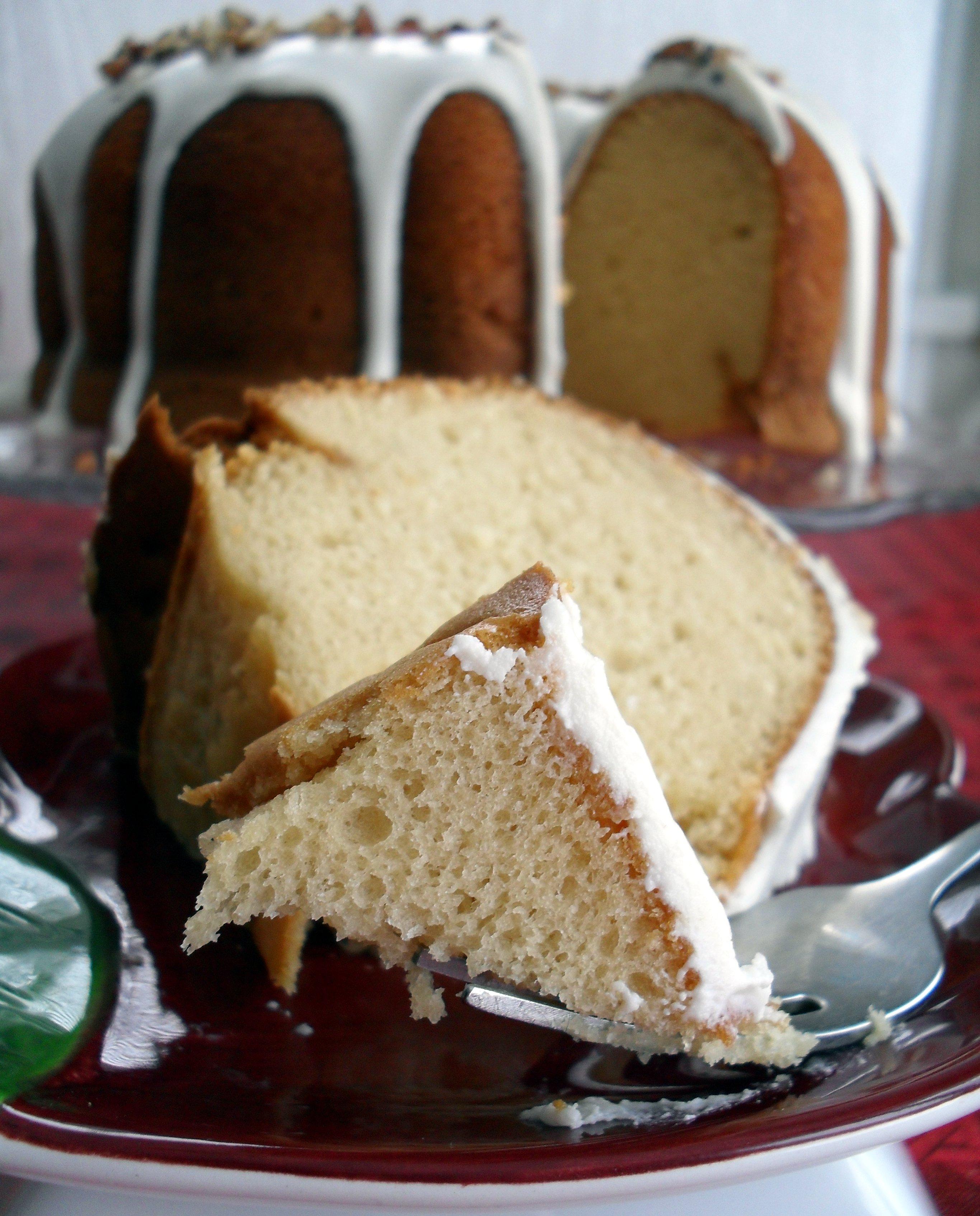 Butter Pecan Rum Cake