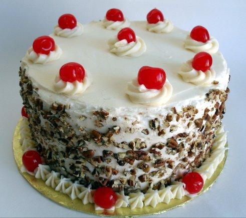 Торта покрытый карамельной глазурью