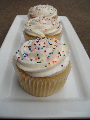 white cupcakes 6-27-11